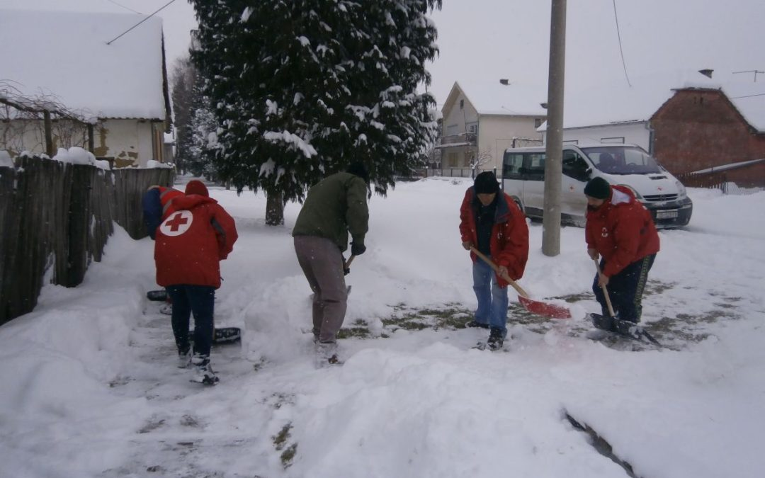 Zaposlenici i volonteri pomažu